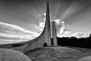Taal Monument on Cape winelands photo tour