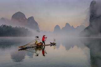 Guilin Cormorant Fisherman in the Mist. China Photo Tour