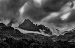 Dramatic skies Drakensberg. South Africa Photo Tour