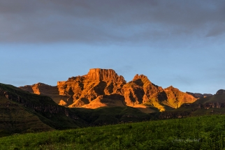 First Light central Drakensberg. South Africa Photo Tour