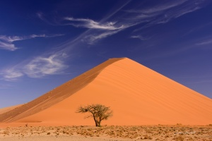 Sossusvlei Dunes with Polarised  Filter. Copyright James Gradwell