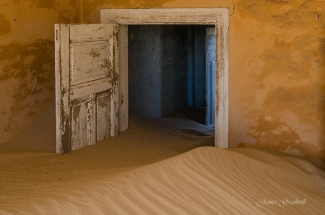 Sandy Sunrise Ghost Town. Namibia photo tours